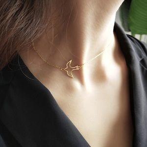 NEW 💎 Gold Hollow Bird Sideways Necklace
